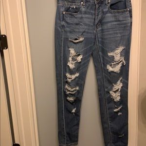 mom jeans!!! ripped jeans